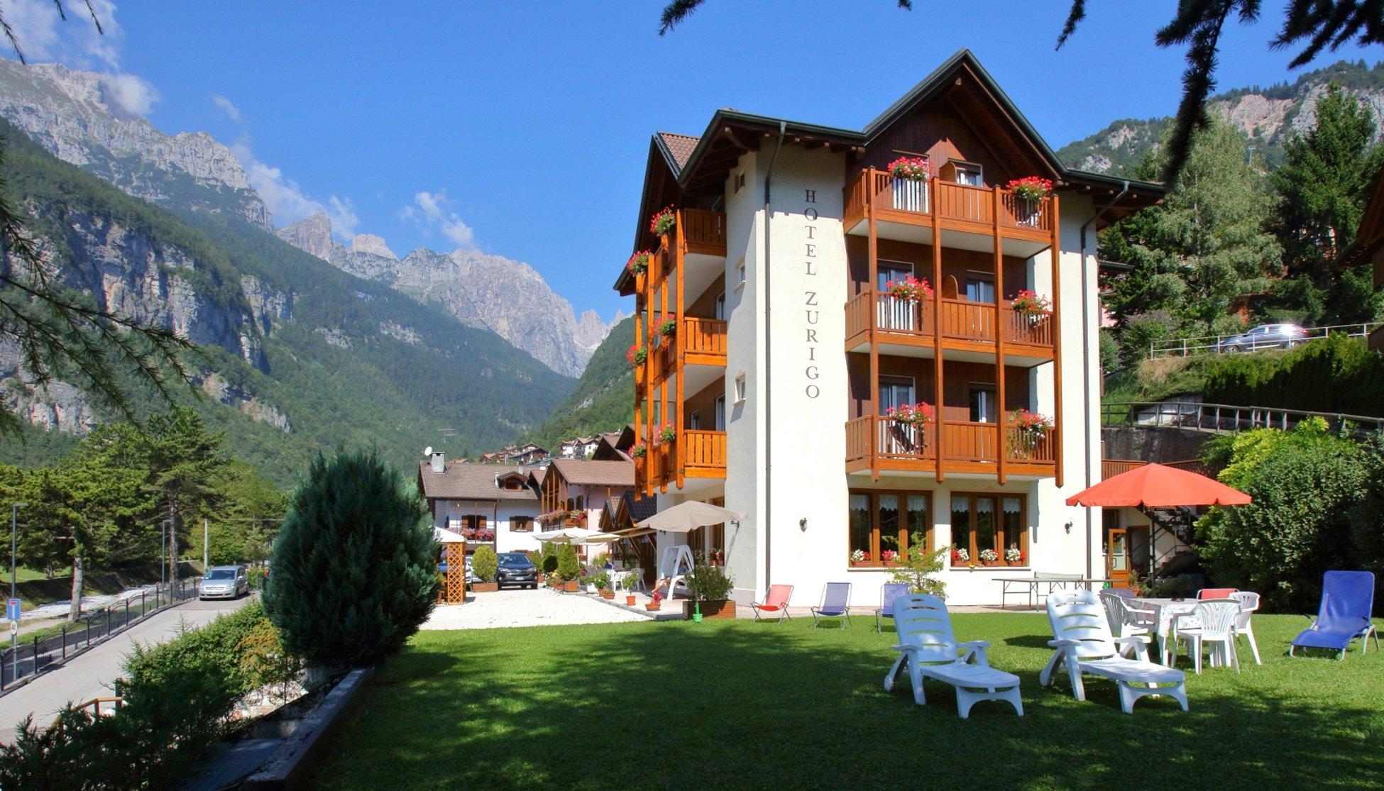 Hotel zurigo molveno vacanza in trentino per tutta la for Hotel a bressanone centro storico