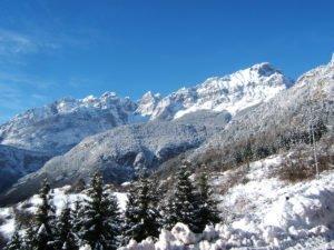 Montagne innevate a Molveno